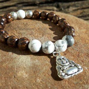 Bracelet sérénité bois, howlite et pendentif bouddha - Omyoki