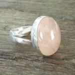 Bague quartz rose cabochon