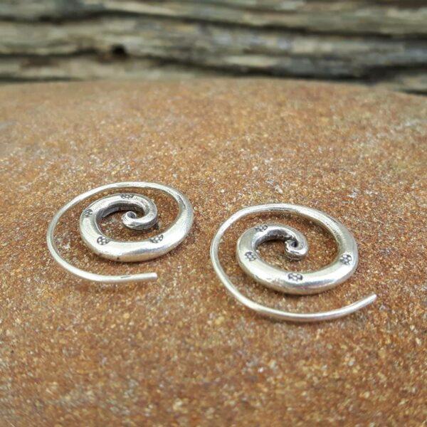 Pendientes de espiral tailandeses