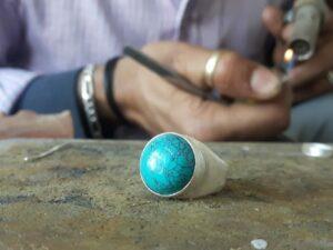 Mode éthique, création de bague artisanale