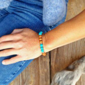 Bracelet en turquoise et bois de santal