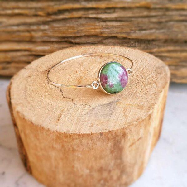 Bracciale bangle in argento rubino zoisite